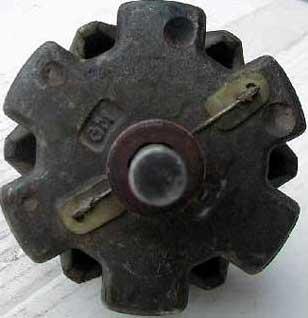 Spojenie vinutia rotora s kontaktnými krúžkami